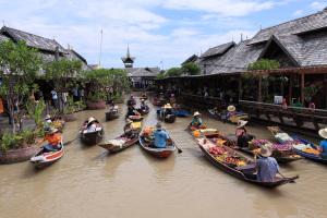 Marknad på vatten i Pattya