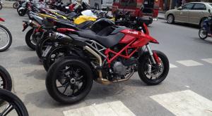 Motorcykeluthyrning vid Karon Beach